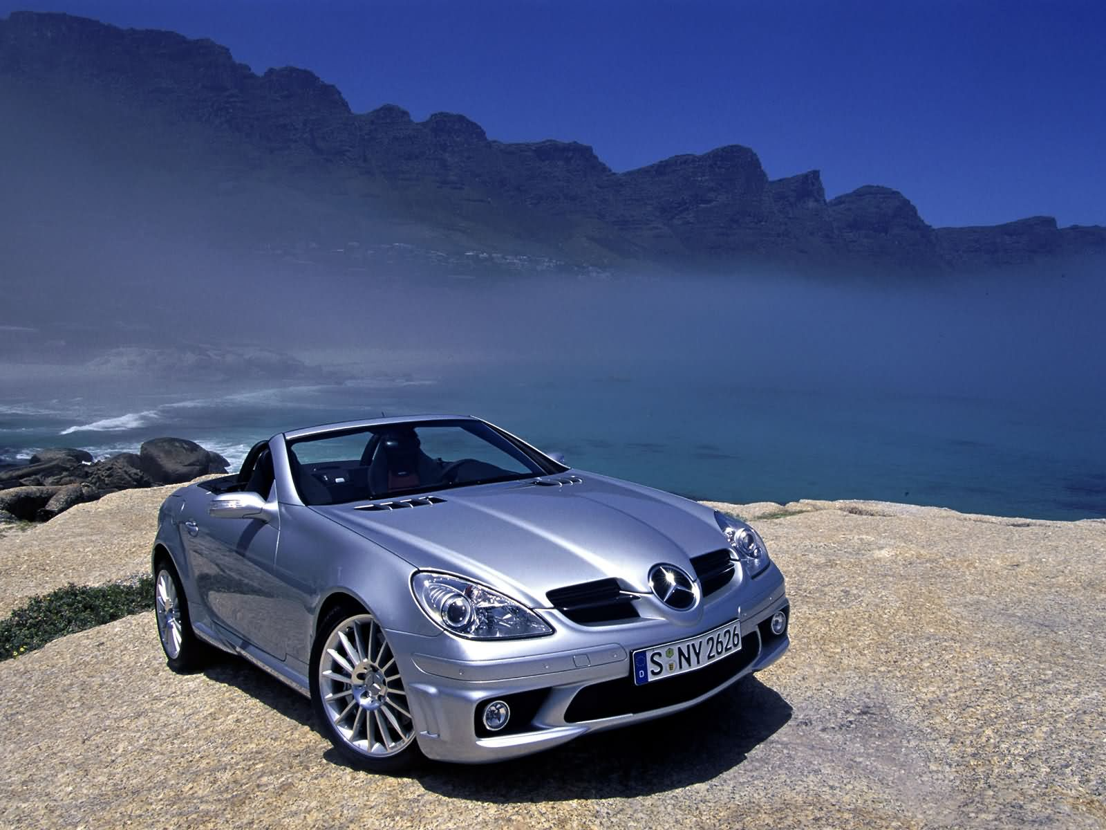 Mercedes-Benz_SLK55_AMG_2005_013.jpg